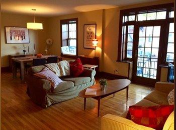 EasyRoommate CA - Room in beautiful apartment - Outremont - Cote-des-Nieges, Montréal - $800 pcm
