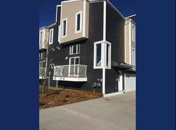 EasyRoommate CA - Beautiful 3 Bedroom Duplex fully furnished, 1 room for rent! - North East, Edmonton - $600 pcm