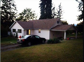 EasyRoommate CA - Private bedroom and living room  - Kelowna, Thompson Okanagan - $600 pcm