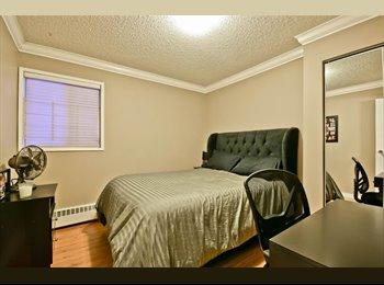 EasyRoommate CA - Great Condo in Central Location, Edmonton - $700 pcm