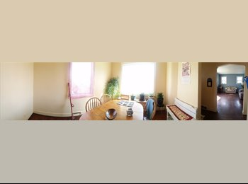EasyRoommate CA - Inner city, shared house, 1 large room available ASAP - Calgary, Calgary - $500 pcm