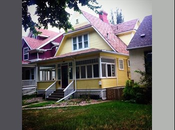 EasyRoommate CA - Join our home!!!! - South East, Edmonton - $500 pcm