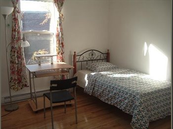 EasyRoommate CA - $450 Furnished room for student available Now!!with laundry & utilities included! - Verdun, Montréal - $450 pcm