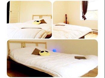 EasyRoommate CA - Room for rent  - Centre Ville, Montréal - $650 pcm