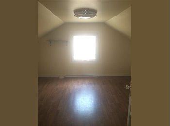 EasyRoommate CA - Room for Rent Near Macewan, Edmonton - $600 pcm
