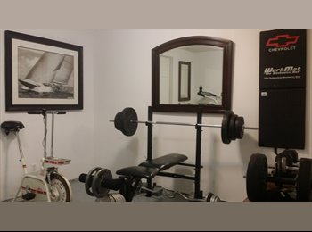 EasyRoommate CA - Newly renovated room in nice house, Calgary - $500 pcm