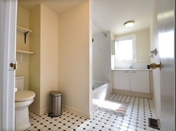 Beautiful 5-Bdr Furnished Flatshare Located in ByWard...