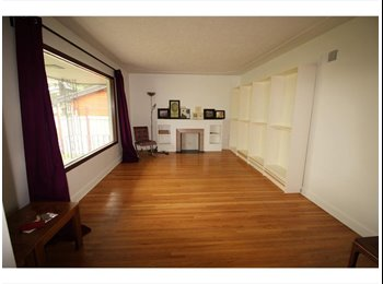 EasyRoommate CA - Banff Trail Rooms for Rent, Calgary - $550 pcm