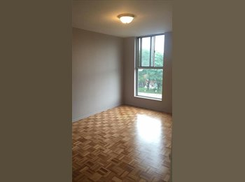 EasyRoommate CA -  Spacious Master Bedroom for Rent Islington/Finch Available ASAP, Toronto - $650 pcm