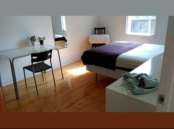 EasyRoommate CA - Large bright room, métro Viau, easy access to downtown, Montréal - $500 pcm
