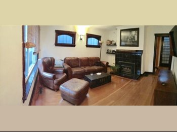 EasyRoommate CA - Beautiful room in large character house, Vancouver - $900 pcm
