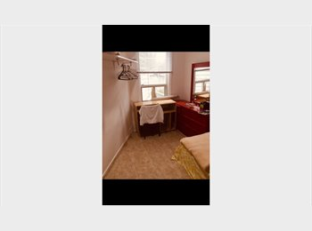 Private room, 5 min walk to subway, 3 locations