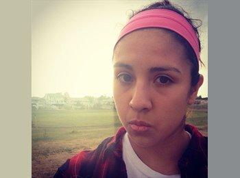 Gabriela - 18 - Student