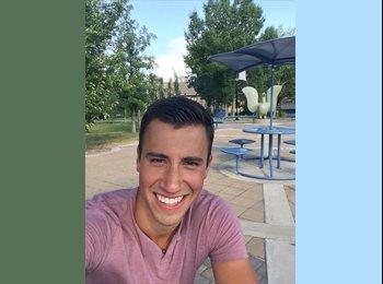 EasyRoommate CA - Ricardo Sanchez - 23 - Calgary