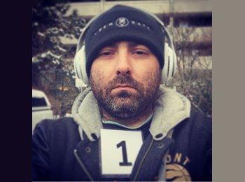 EasyRoommate CA - Anthony  - 35 - Toronto