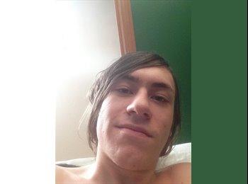 EasyRoommate CA - Josh Meyer - 21 - Calgary