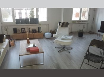EasyWG CH - Furnished room on a nice place with WILAN+ parking, Baden - 780 CHF / Mois
