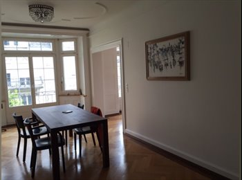 Zimmer in schöner Jugendstilwohnung