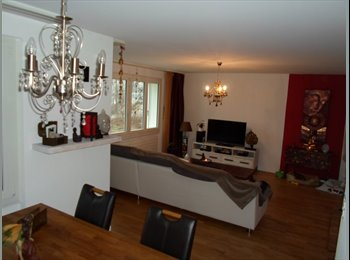 EasyWG CH - Wunderschönes Zimmer an der Limmat - Hongg-Wipkingen - 10. Bezirk, Zürich / Zurich - 800 CHF / Mois