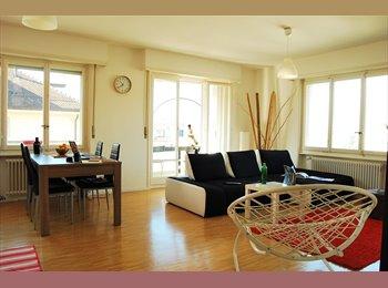 EasyWG CH - Chambre meublée dans appart nouveau et aménagé , Lausanne - 1500 CHF / Mois