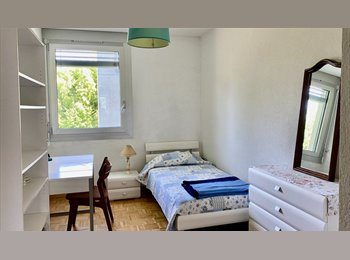 EasyWG CH - Je loue une chambre pour fille - Collonge-Bellerive, Genève / Genf - 750 CHF / Mois