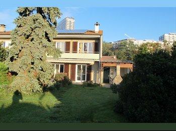 EasyWG CH - Petite chambre dans maison en colocation avec jardin - Vernier, Genève / Genf - 700 CHF / Mois
