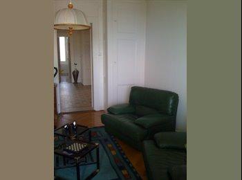 EasyWG CH - Jolie chambre meublée à louer en colocation avec un grand balcon ombrage . - Lausanne, Lausanne - 850 CHF / Mois