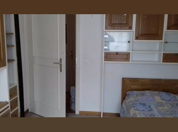 EasyWG CH - Chambre spacieuse à louer , Sion - 500 CHF / Mois