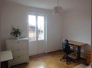 EasyWG CH - Chambre meublée avec balcon à Prilly pour fille - Lausanne, Lausanne - 650 CHF / Mois