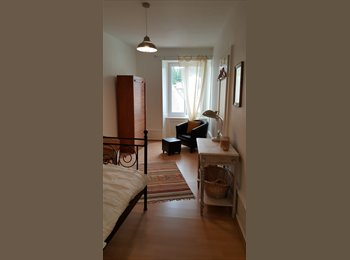 EasyWG CH - Chambre spacieuse et tranquille - Quiet and spacious room in a old house, Le Locle - 48 CHF / Mois