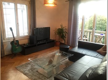 Furnished bedroom available now @ 1003 Lausanne centre in a...