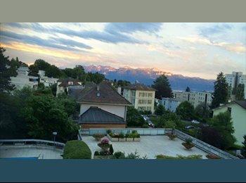 EasyWG CH - appartement 1.5 pièces entièrement meublé, balcon, piscine privative , Lausanne - 1490 CHF / Mois