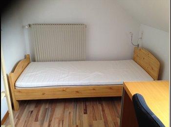 EasyWG CH - petite chambre meublée ,indépendante, à l'étage, Vevey - 600 CHF / Mois