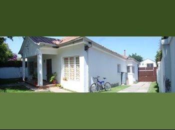 Arriendo piezas- Rooms for rent!