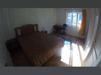 2 Habitaciones disponibles en departamento compartido