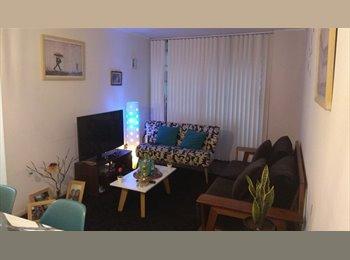 CompartoDepto CL - Arriendo habitacion amoblada, Metro Santa Isabel, Santiago Centro - CH$ 250.000 por mes
