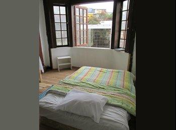 CompartoDepto CL - Habitacion en Cerro Alegre/Room in Cerro Alegre - Valparaíso, Valparaíso - CH$ 0 por mes