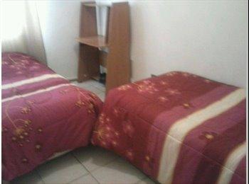 ofrezco habitación 2 cama de una plaza y media