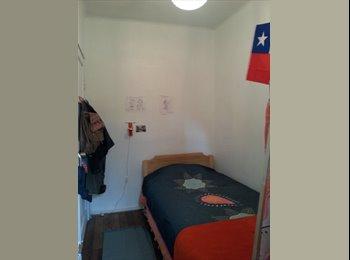 Habitación con baño personal  en casa en el centro de...