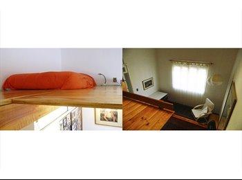 Comparto mi espacio, casa antigua con lindo jardín.  Sector...