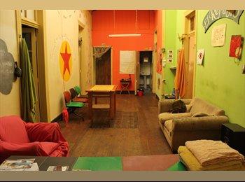 CompartoDepto CL - Habitación disponible en la Subida Ecuador, Valparaíso - CH$ 110.000 por mes