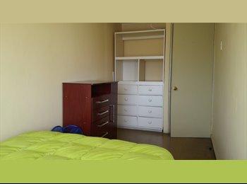 Amplia Habitación en depa compartido