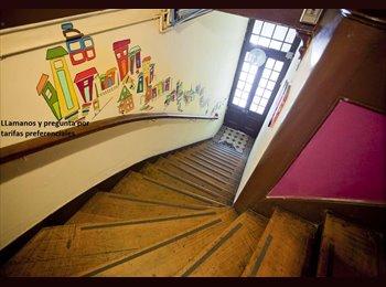 arriendo de habitacion en av. francia a una cuadra de metro