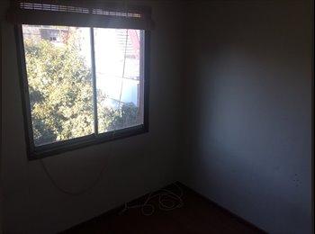 Arriendo 2 piezas en Casa en sector Metro Manquehue