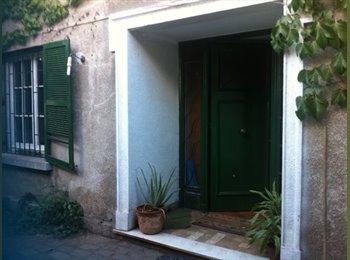 CompartoDepto CL - Habitación Iluminada con vista al jardín, Providencia - CH$ 275.000 por mes