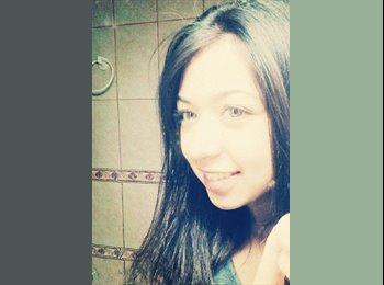 Gabriela - 21 - Estudiante