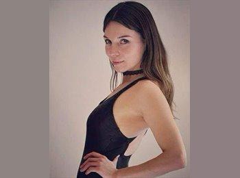 Natalie  - 30 - Profesional