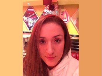 Melissa M - 26 - Estudiante