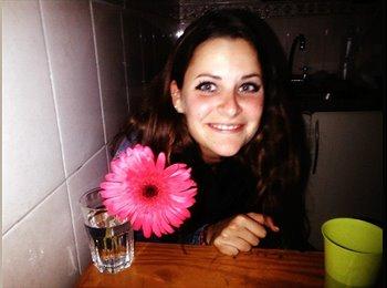 Eloise  - 23 - Estudiante