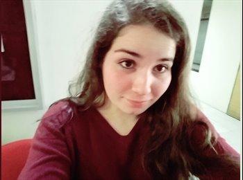 Marcela - 18 - Estudiante